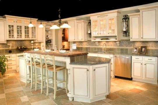 Ivory kitchen cabinets with glaze for Antique ivory kitchen cabinets